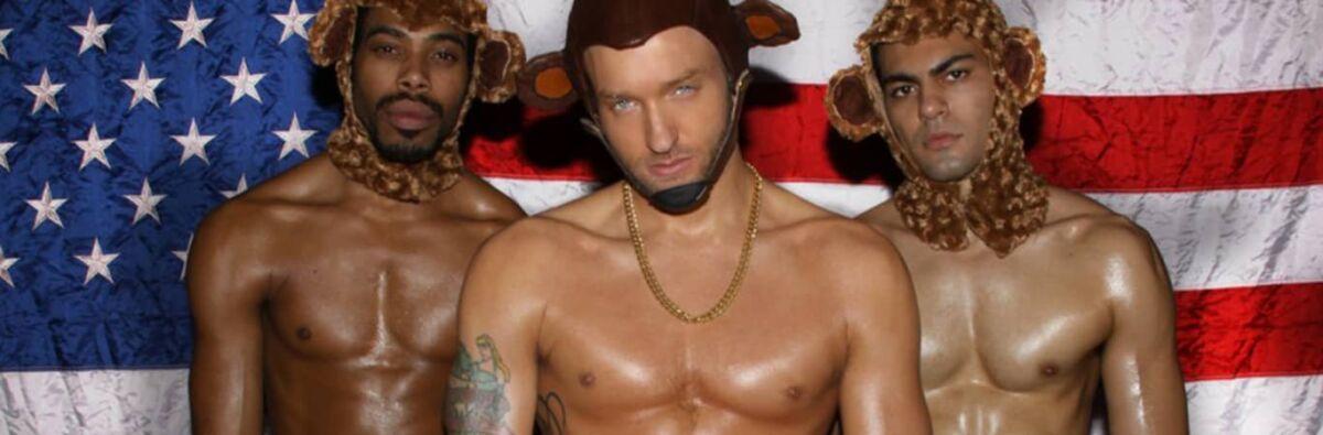 Cazwell gay rapper by US flag bear hat