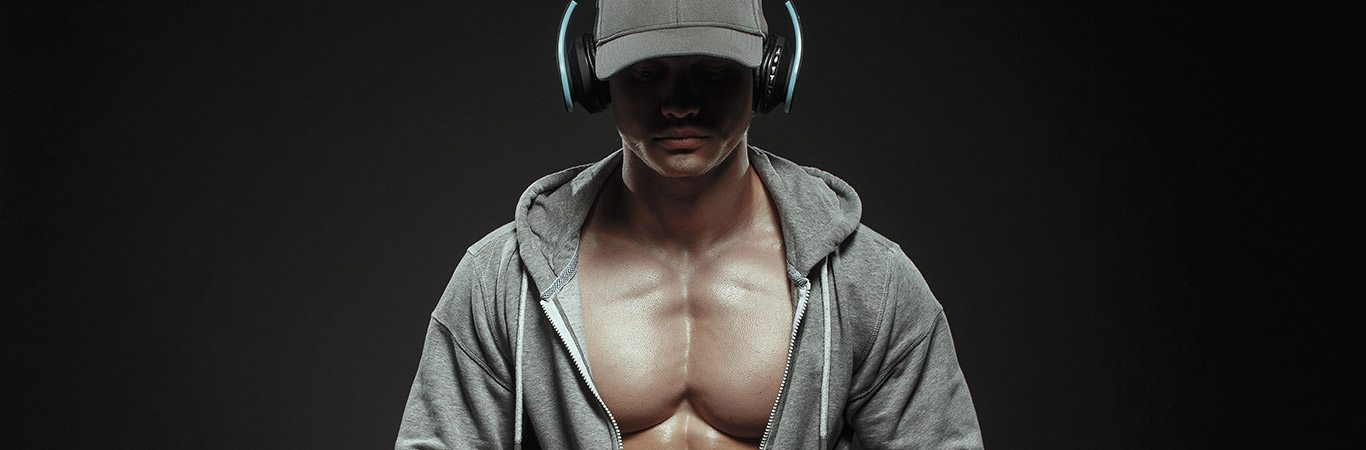 Muscley-man-listening-to-music