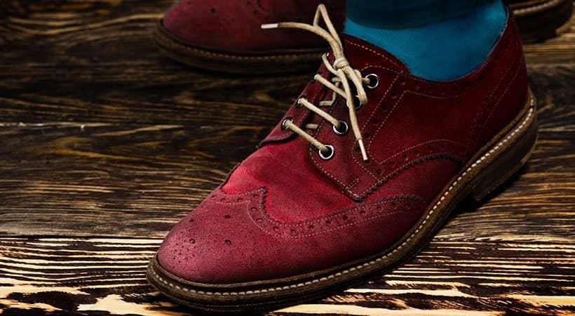 Contrasting shoe laces