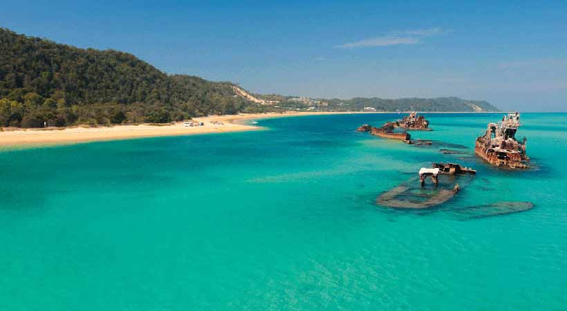 moreton island safari tour brisbane shipwrecks